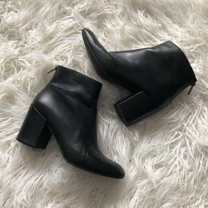 Stuart Weitzman Sz 9 Leather Block Heel Ankle Boot
